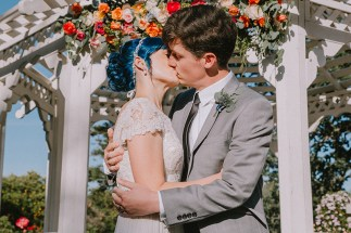 blue-hair-floral-kiss-rebeccaylasotras