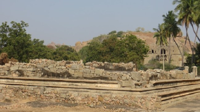 Hampi Temples, Hampi Ruins, Places to visit in Hampi, Karnataka Tourism, Hippie fun in Hampi,Underground Shiva Temple in Hampi, Prasanna Virupaksha Temple in Hampi