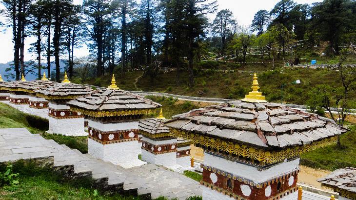 108 Chortens at Dochula Pass, Bhutan, Thimphu, Dochula Pass, Thimphu, Bhutan, 108 stupas, Dochula Pass Chorten, Druk Wangyal Khang Zhang Chortens, Druk Wangyal Lhakhang, Thimphu to Punakha, Places to visit in Bhutan, Things to do in Bhutan, Thimphu to Punakha