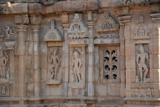 Badami Cave Temples Karnataka, Badami Tourism, Pattadakal Temple, Aihole Temple, Badami tourist places, badami aihole pattadakal, Keshava Temple, Hampi like Ruins, virupaksha temple pattadakal,
