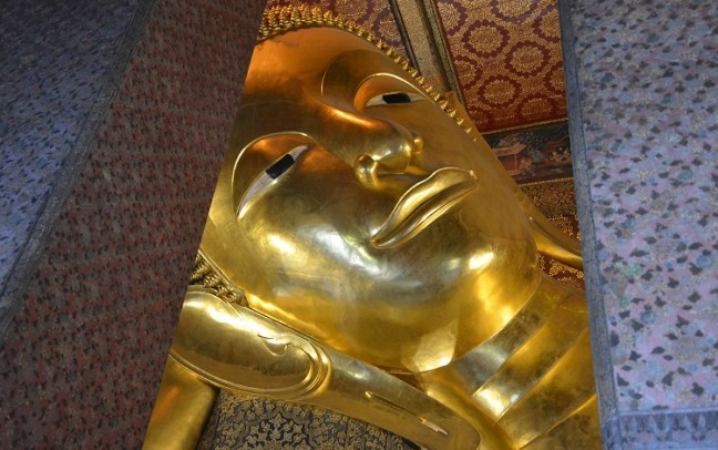 Visit Wat Pho/Wat Po (วัดโพธิ์กรุงเทพฯ) Temple on Bangkok Trip Thailand: Temple of Reclining Buddha/Sleeping Buddha/Resting Buddha/Big Buddha Bangkok, Wat Pho Thai Massage School Course for traditionelle thai massage, Wat Arun Temple Bangkok (วัดอรุณราชวราราม) views from Chao Phraya River – Places to visit in Bangkok