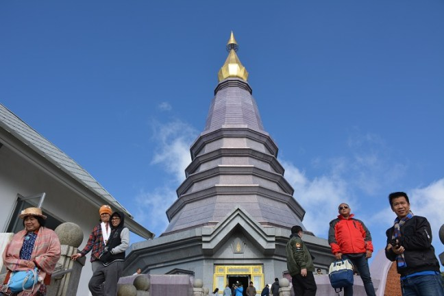 Twin Royal Chedis: King and Queen Pagodas [Naphamethinidon (นภเมทินีดล), and Naphaphonphumisiri (นภพลภูมิสิริ) are the main attraction at the summit of Doi Inthanon, the highest mountain peak of Thailand –Top places to visit on Day Trip from Chiang Mai Trip - Motorbike backpacking trip across Mae Hong Son Loop, Thailand