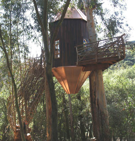 See a whole lot of ultra-natural, high-design treehouses from around the world.