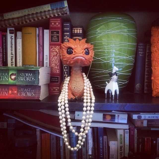 How perfect is is that Smaug is a jewelry holder. I also love that ring giraffe something fierce.
