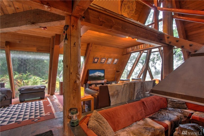 Looks like the most amazing place to relax and watch TV... sure!