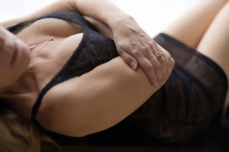 Try not to be empowered by this stunning boudoir session