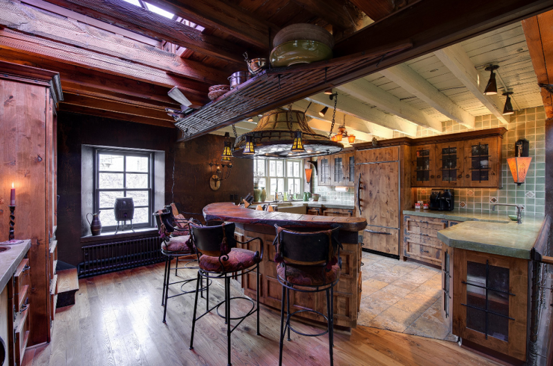 Let's all move into this Hogwarts castle for sale in Minnesota