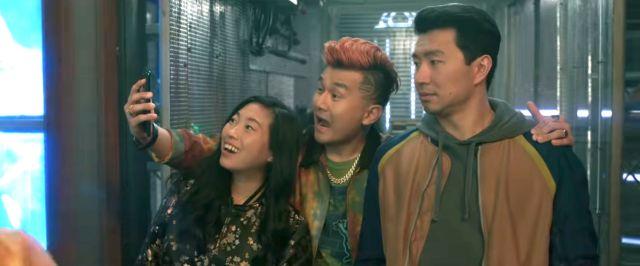 Katy (Awkwafina), Jon Jon (Ronny Chieng), and Shang (Simu Liu) in Shang-Chi