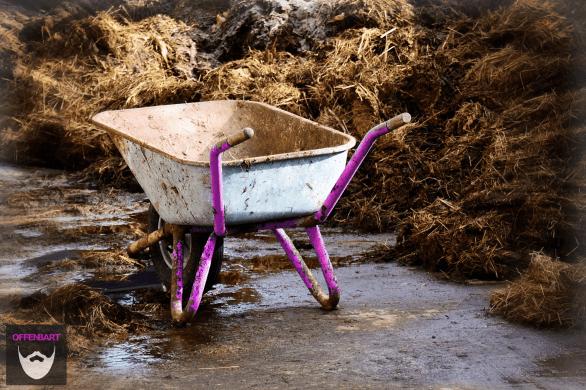 Bildnachweis:Cart Work Transport Wheelbarrow Pushing Barrow by Max Pixel CC0 1.0, bearbeitet von Lukas Klette.