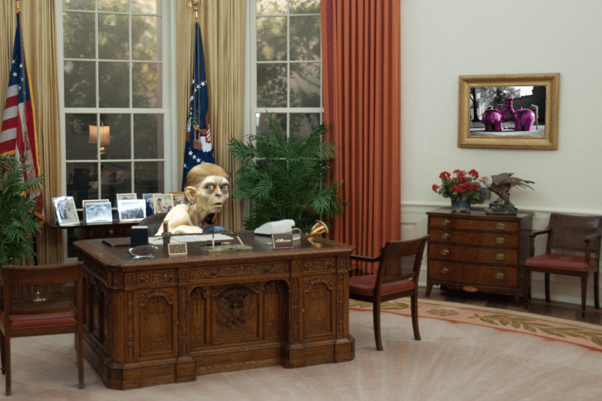 "Bildnachweis: ""Reagan's Oval Office replica"" by Dave Herholz CC-BY-SA 2.0, ""Comic-Con 2004 - life-sized Gollum statue"" by Doug Kline CC-BY 2.0, ""Donald Trump"" by Gage Skidmore CC-BY-SA 2.0, ""Ottifanten"" by Benjamin Warntjen CC-BY-SA 2.0, zusammengestellt und bearbeitet von Simon Mallow"
