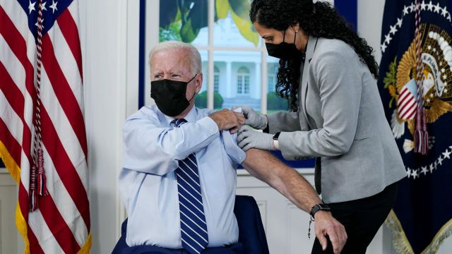 The Scene of Biden Receiving His 3rd Vaccine Dose was a Movie Stage PsyOp 1