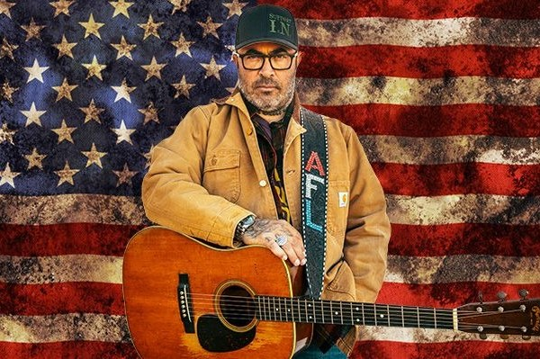 """Aaron Lewis Releases Official Music Video for """"Am I the Only One"""""""