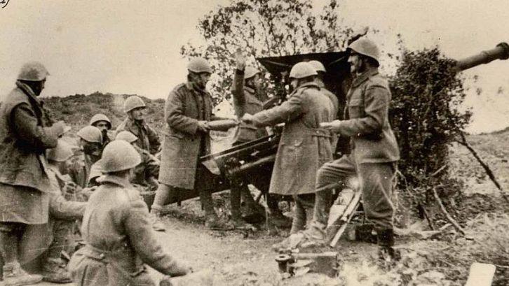 800px-Greek_artilery_Morava_Nov_1940