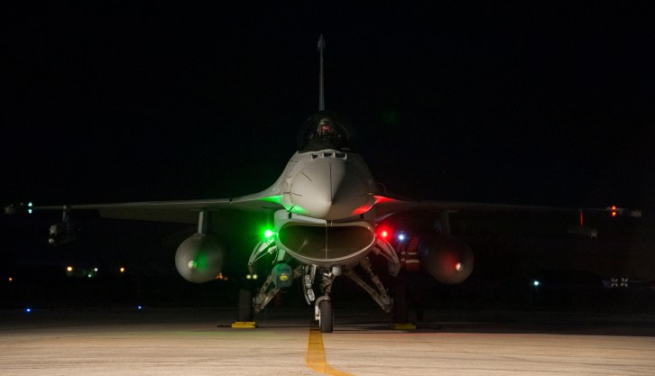 Polish_Air_Force_F-16_preparing_for_a_night_flight_at_Trapani_Air_Base_during_Trident_Juncture_15.jpg