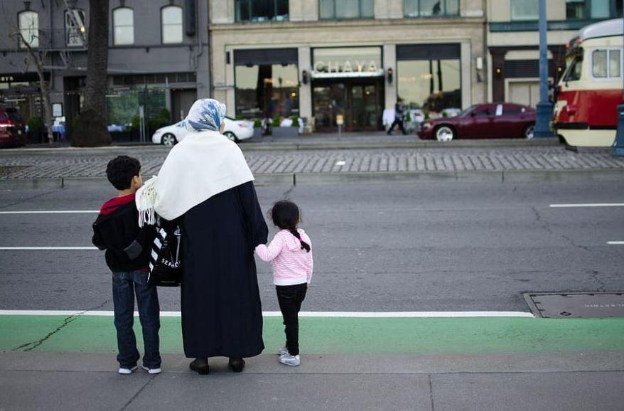 metanastes paidia prosfuges refugees