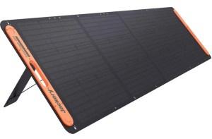 SolarSaga-200-Solar-Charger