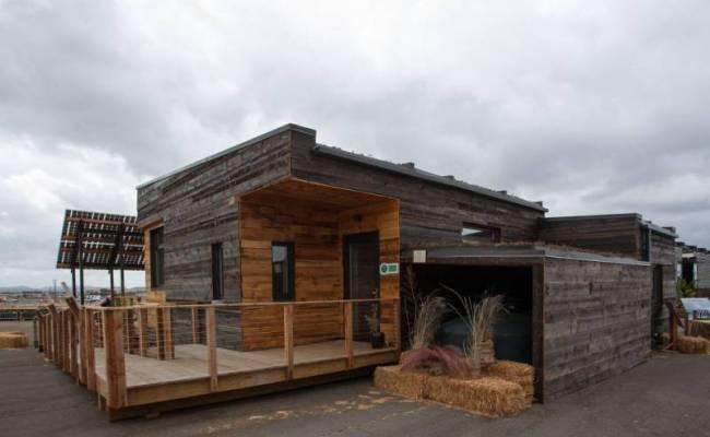 Beautiful Solar Powered Tiny House Is 971sqft Of Energy