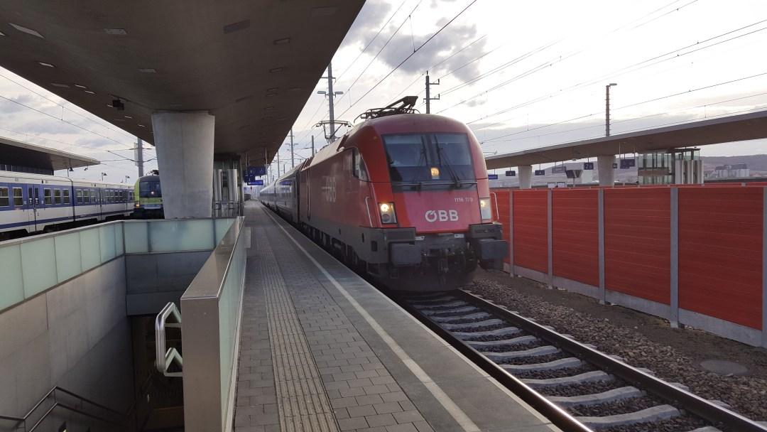 Ansichten Bahnhof Tullnerfeld