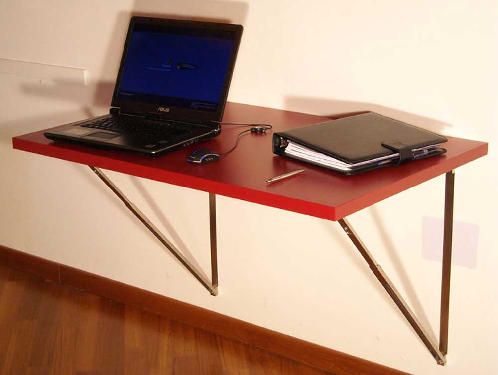 Wall Folding Table to Maximize Empty Space