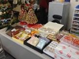 昨日、色々とお菓子をいただきました。頂き物ですので、無料で提供しています。