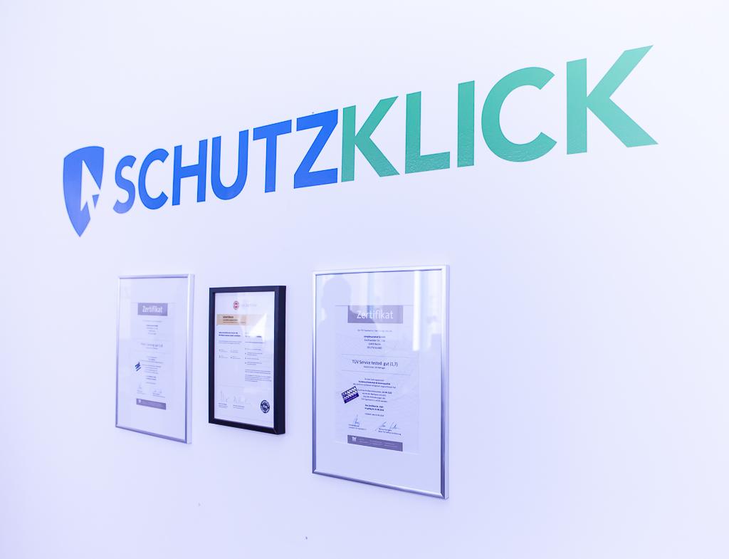 officedropin schutzklick Andreas Lukoschek andreasl.de 2 1024x785 Peek inside Schutzklicks Berlin Office