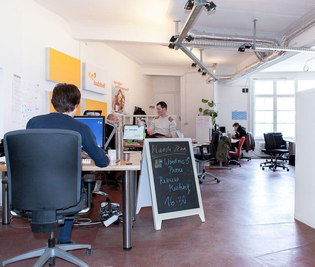 Officedropin babbel Andreas Lukoschek andreasL.de 2 1024x869 Peek inside Babbels Berlin Office