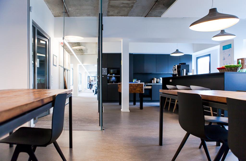 officedropin number 26 Andreas Lukoschek andreasL.de deutsche startups.de 11 1024x670 Have a Look at N26s Berlin Office