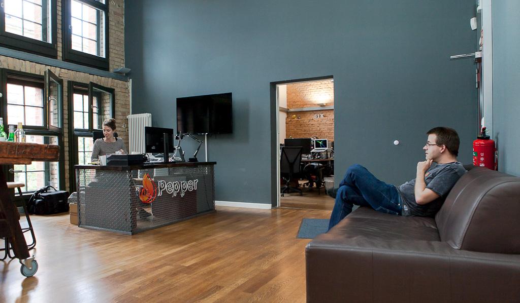 mydealz 1024x598 A look inside Peppers Office