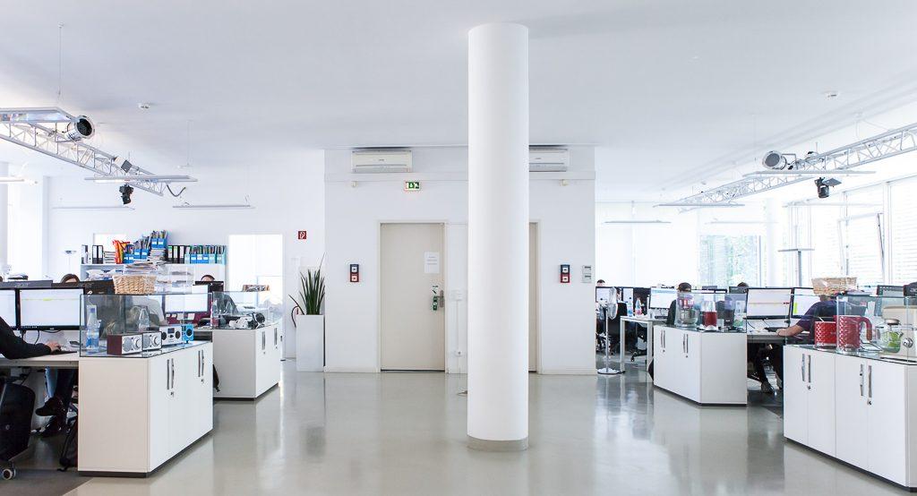 chal tec officedropin.com 15 1024x554 A Tour of Chal Tecs HQ in Berlin