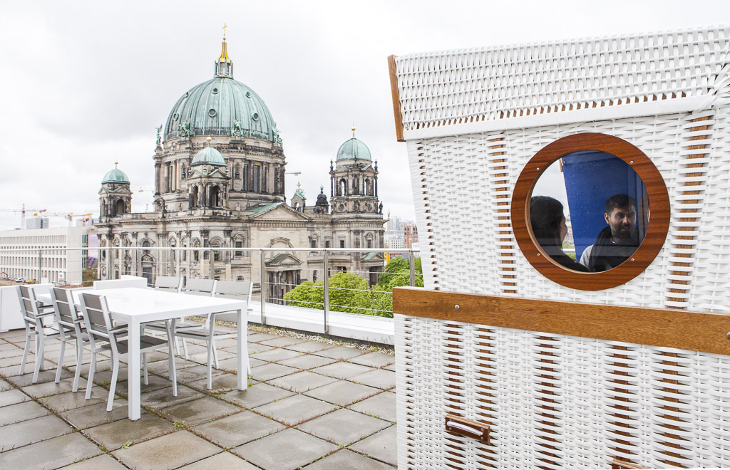 Solaris Bank officedropin 6545 1024x660 A Tour of solarisBANKS OFFICE IN BERLIN