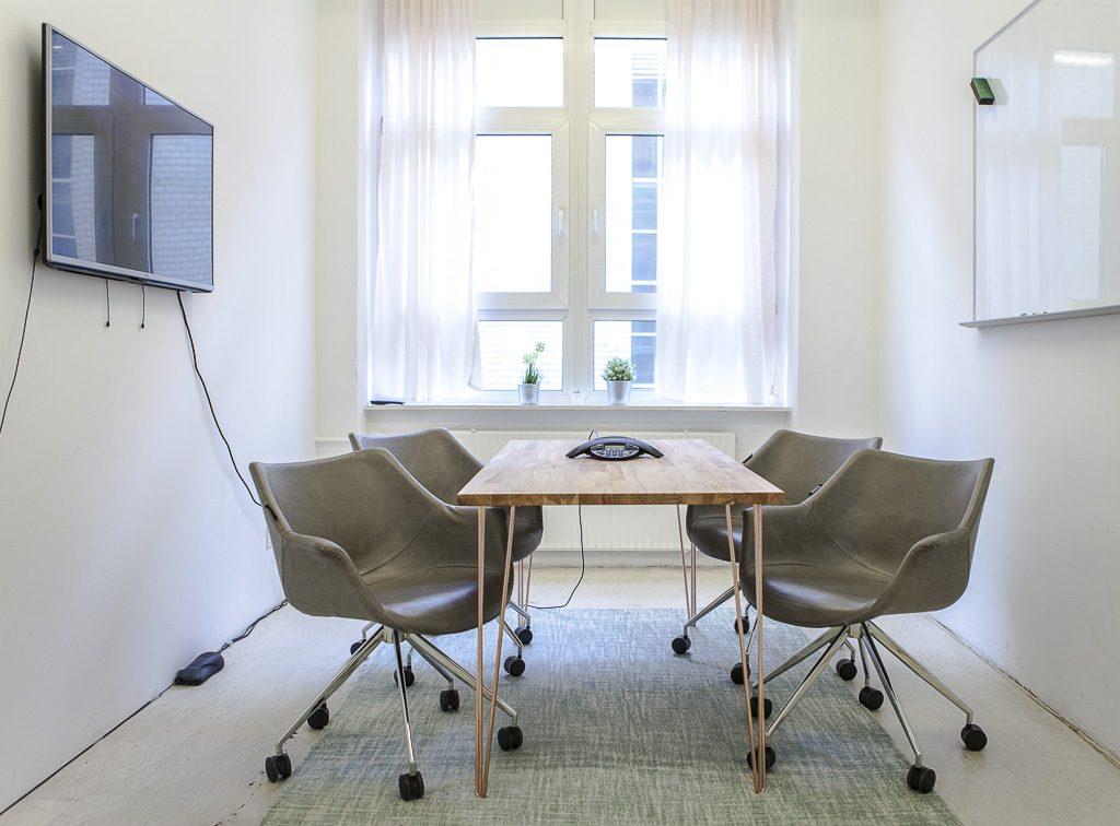 Spoonflower office officedropin 6794 1024x756 A Tour of SPOONFLOWERS OFFICE IN BERLIN
