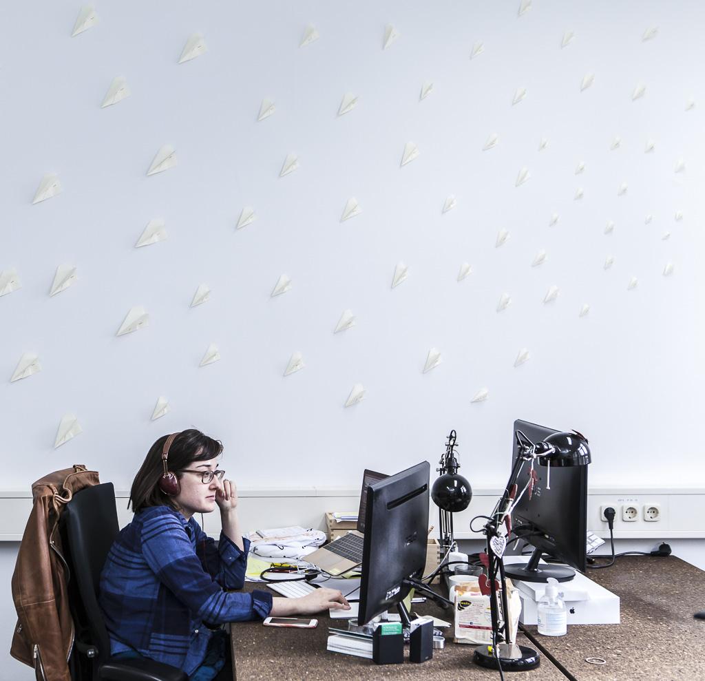 Spoonflower office officedropin 6804 1024x989 A Tour of SPOONFLOWERS OFFICE IN BERLIN