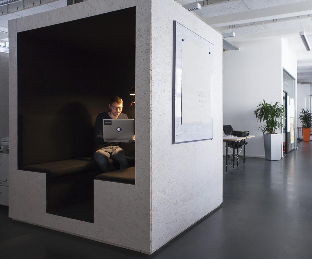IDEALO officedropin 7281 1024x851 A PEEK INSIDE IDEALOS HQ BERLIN OFFICE