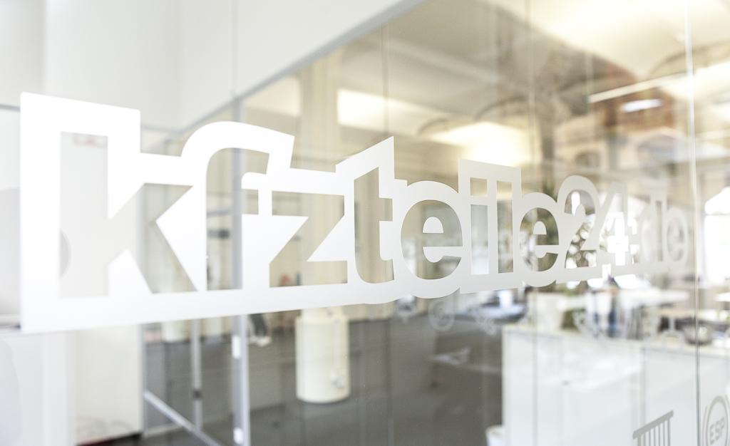 kfzteile24 Officedropin 0333 HAVE A LOOK AT KFZTEILE24s OFFICE IN BERLIN