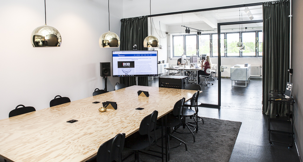 Regiocast Office Berlin Officedropin Andreas Lukoschek 0280 A TOUR OF REGIOCASTS OFFICE IN BERLIN