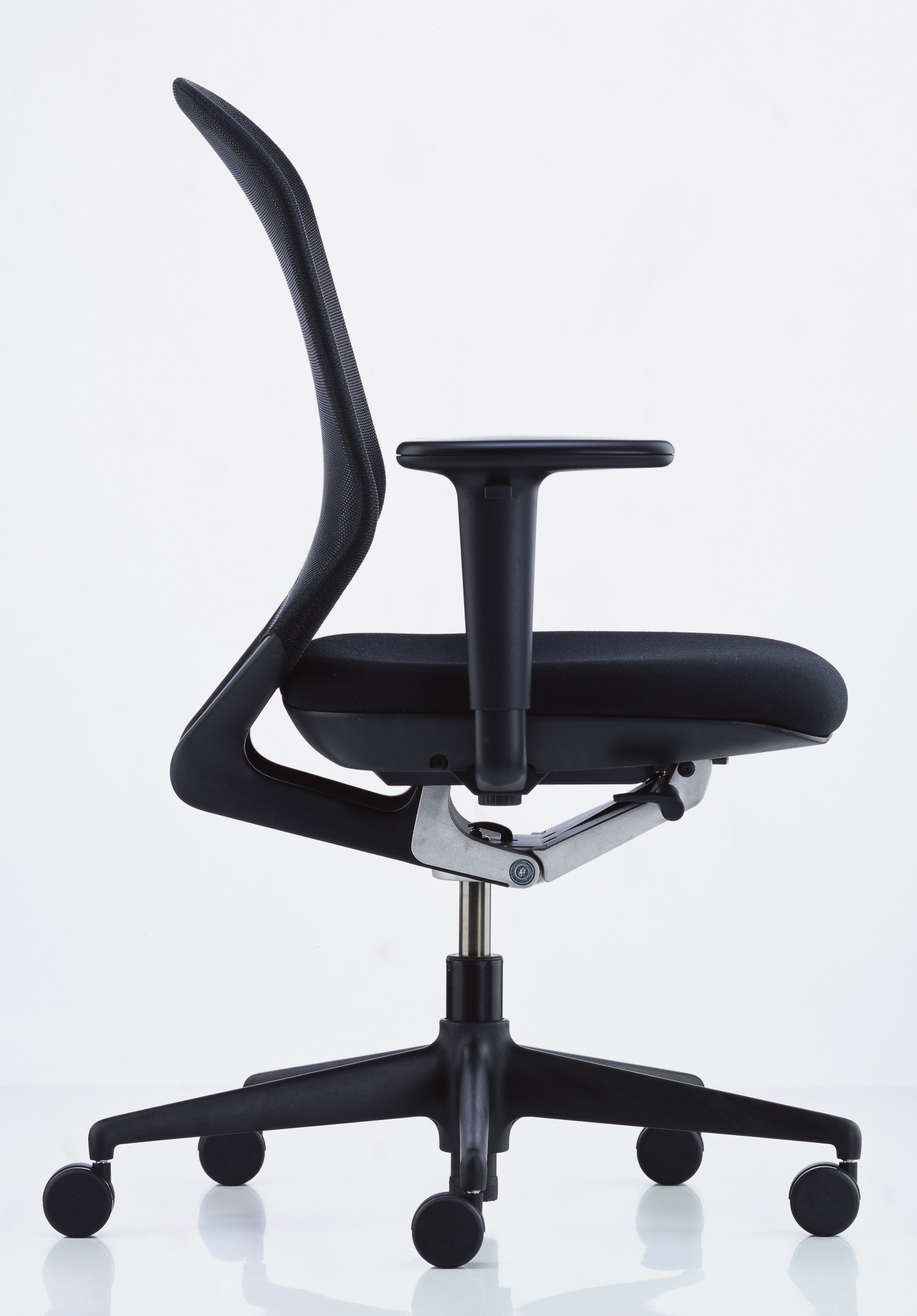 Vitra Office Chair Vitra Medapro Hi Quality Mesh Task Chairs Reupholstered In Black