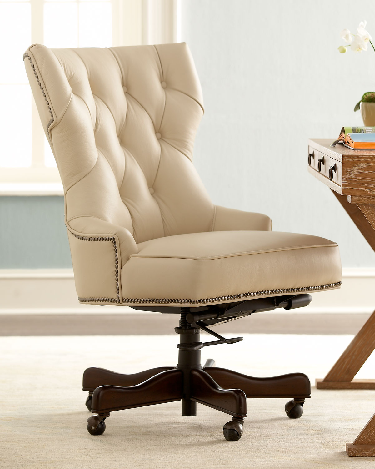 Home Office Desk Chair How To Decorate An Office At Work With Leather Chairs