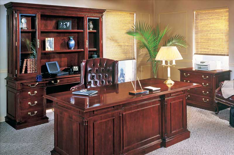 Desks and Credenzas  OfficeMakers