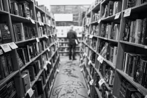 モノクロ書店