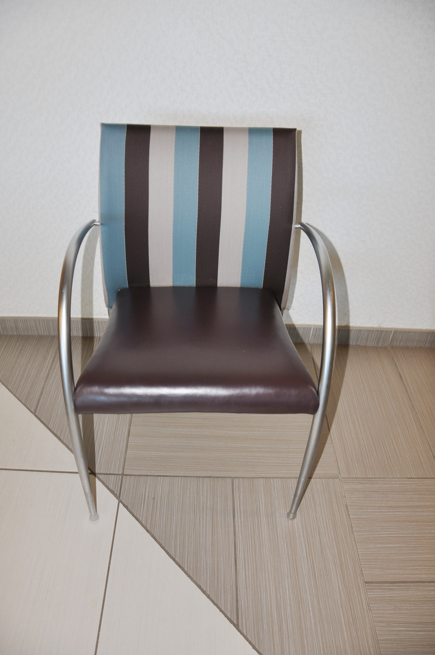 Break Room Chairs Break Room Chairs Striped Fabric Used Office Furniture