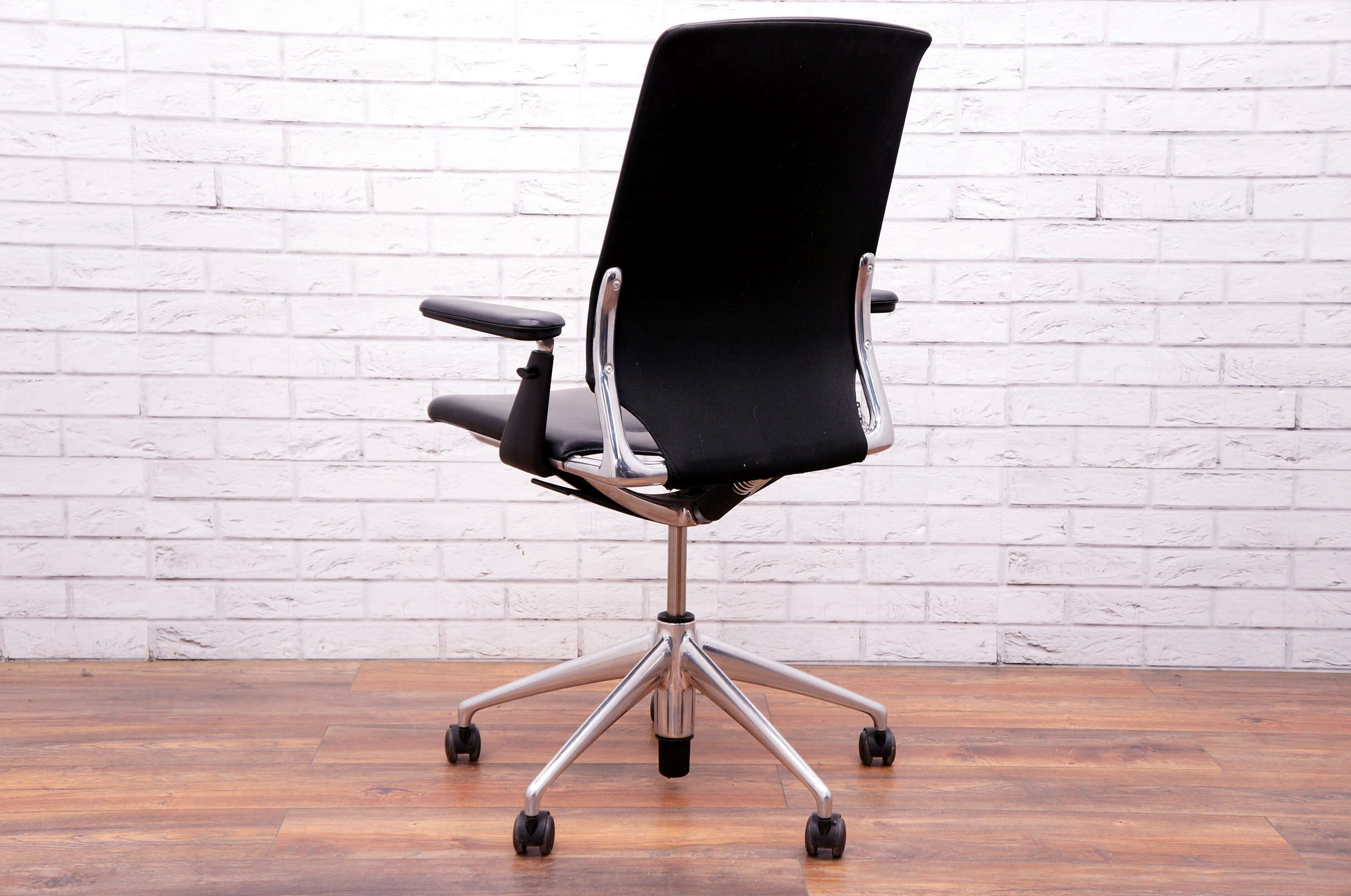 Vitra Office Chair Vitra Meda Executive Office Chair In Black