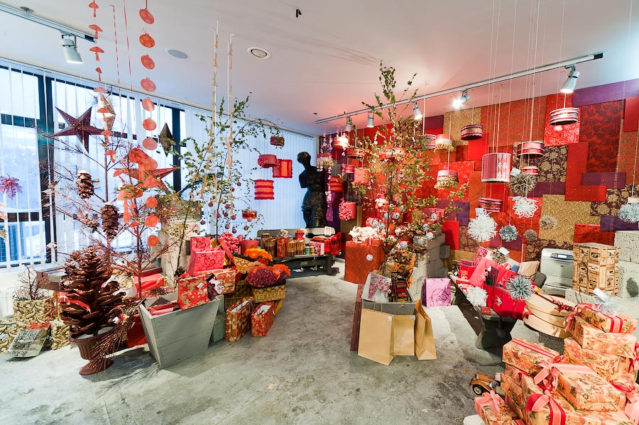 The Crazy Seasonal Offices Of Russia S Grand Gift Office