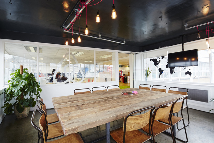 airbnb-london-office-design-1