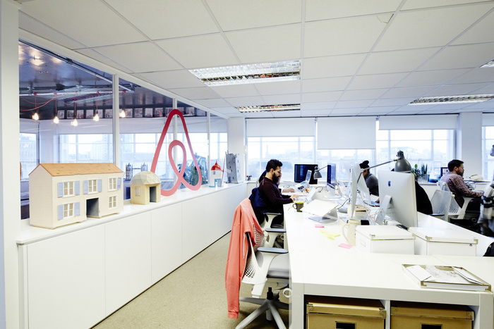 airbnb-london-office-design-8