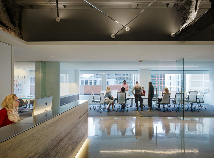 pivot-office-chicago-office-design-1