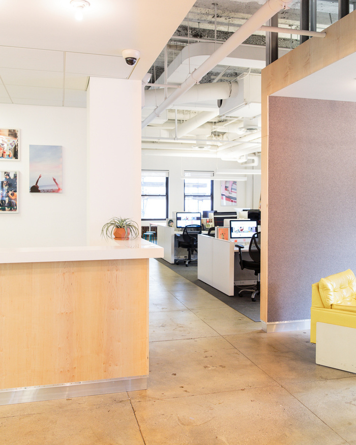 refinery29-office-new-york-city-office-design-3