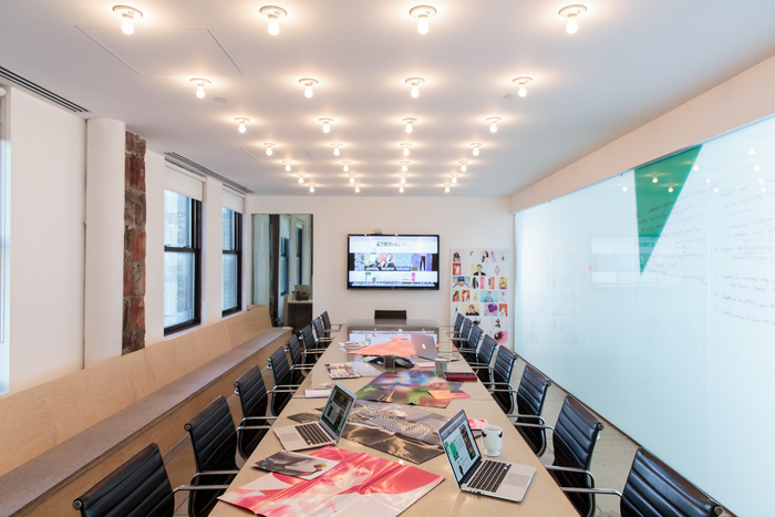 refinery29-office-new-york-city-office-design-9