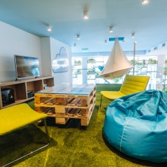 Office Chair For Carpet White Wooden Rocking Australia Skyscanner - Budapest Offices Snapshots