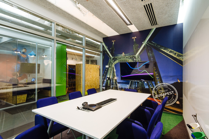 skyscanner-office-design-8