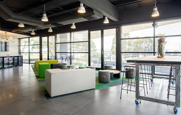 cameron-industrial-office-design-8